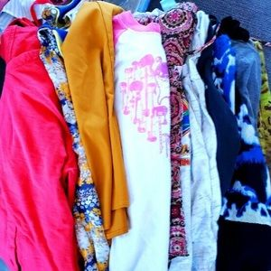 Lot of 8 shirts S/M + S dress